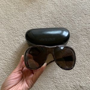 ROBERTO CAVALLI wrap dark tint sunglasses w/gold